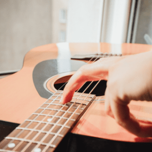 5 reasons to learn acoustic guitar before electric